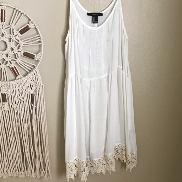Forever 21 Tops - Forever 21 - sheet lace cream camisole - beautiful